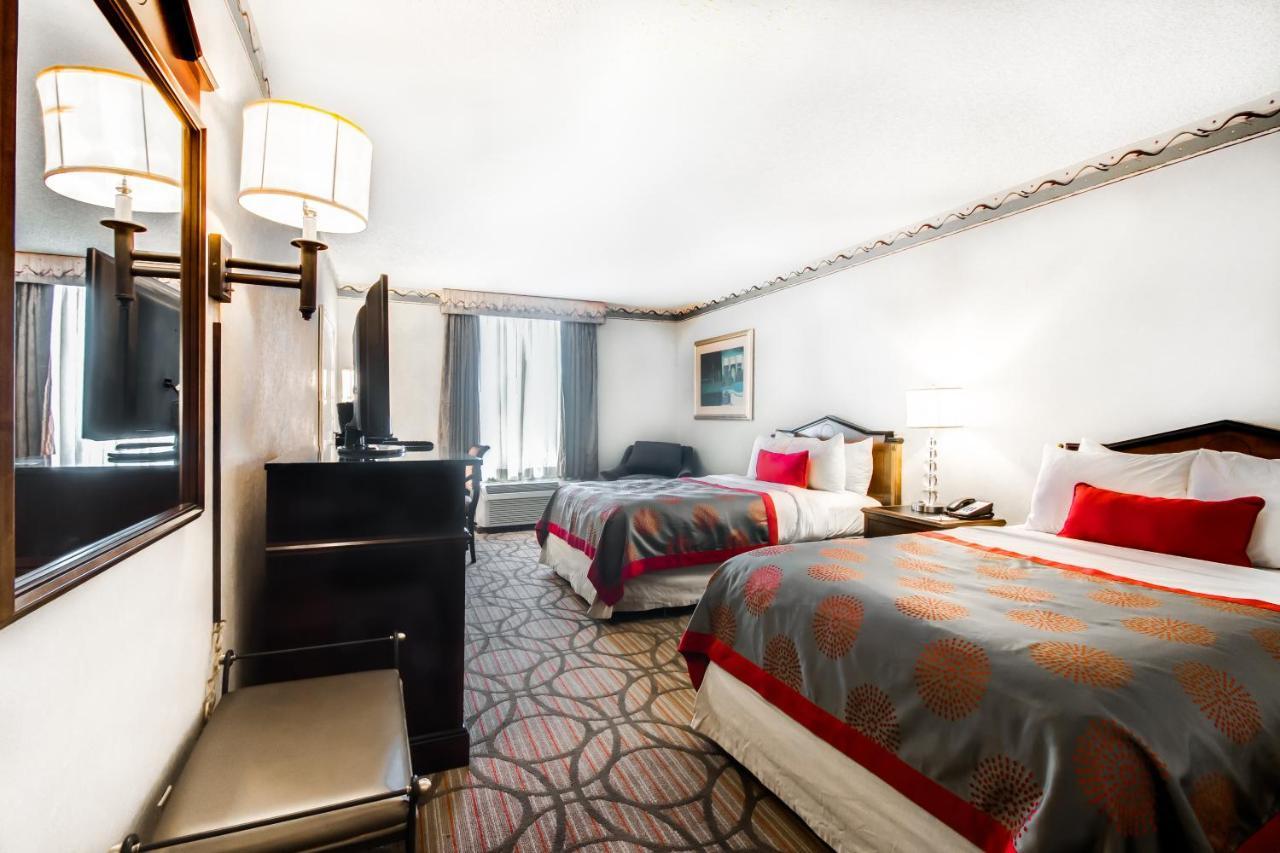Ramada Plaza Hotel Atlanta Airport, GA - Booking.com