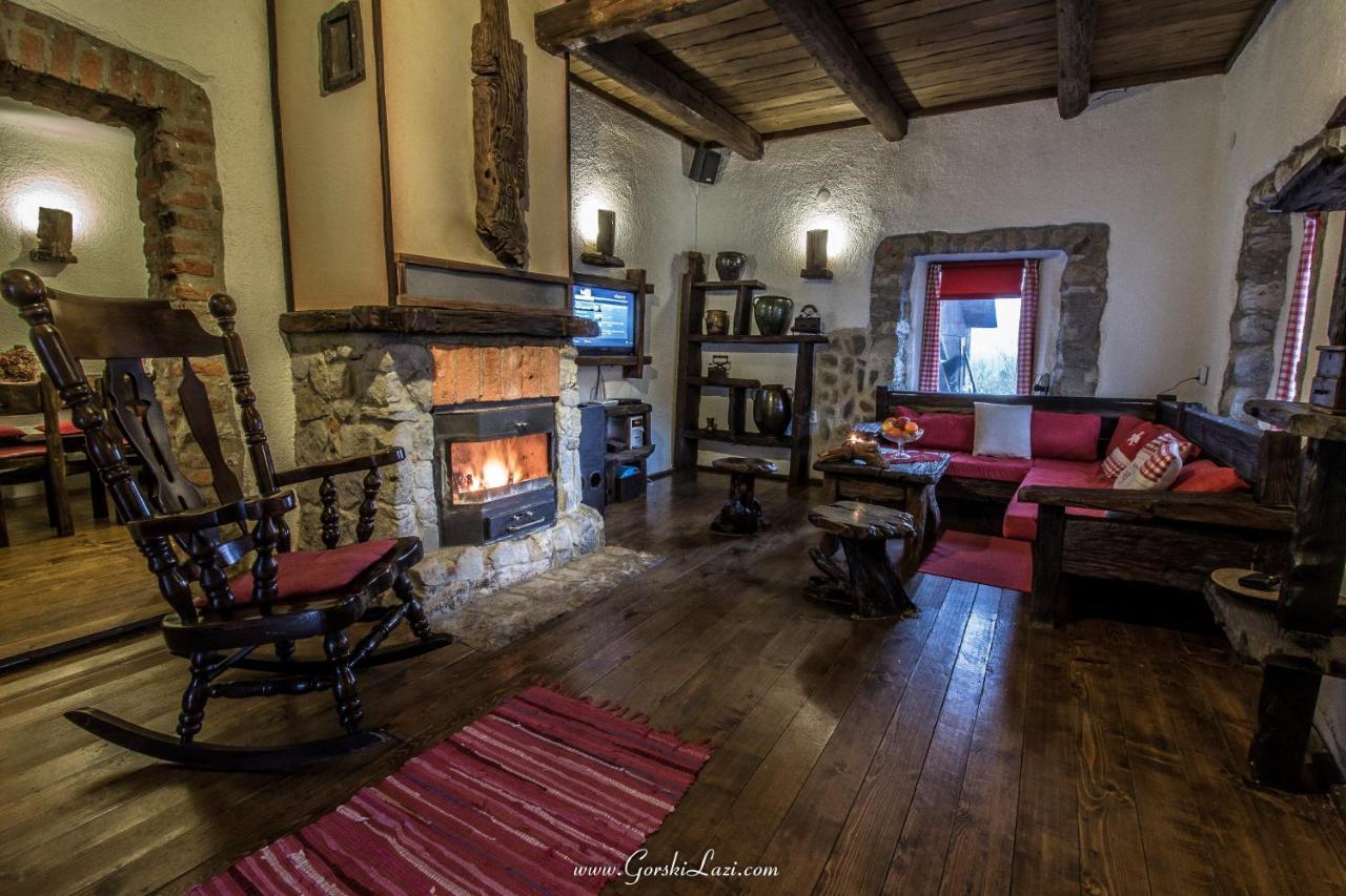 İyi bir ruh halinde bir tatil evinin içi