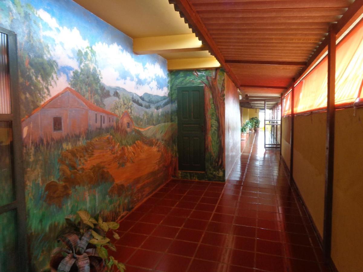 Hotels In Siqueira Campos Parana