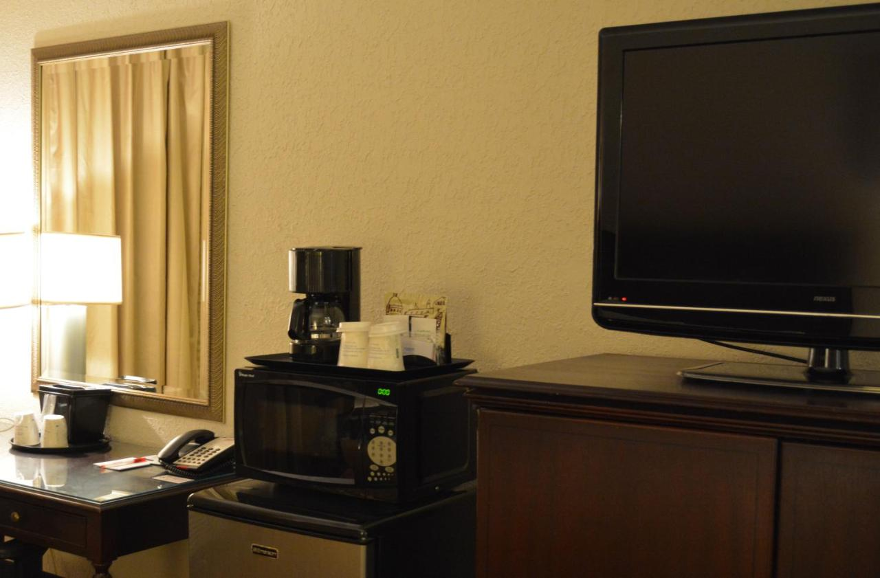 Travelodge Inn & Suites Wichita Air (USA Wichita) - Booking.com