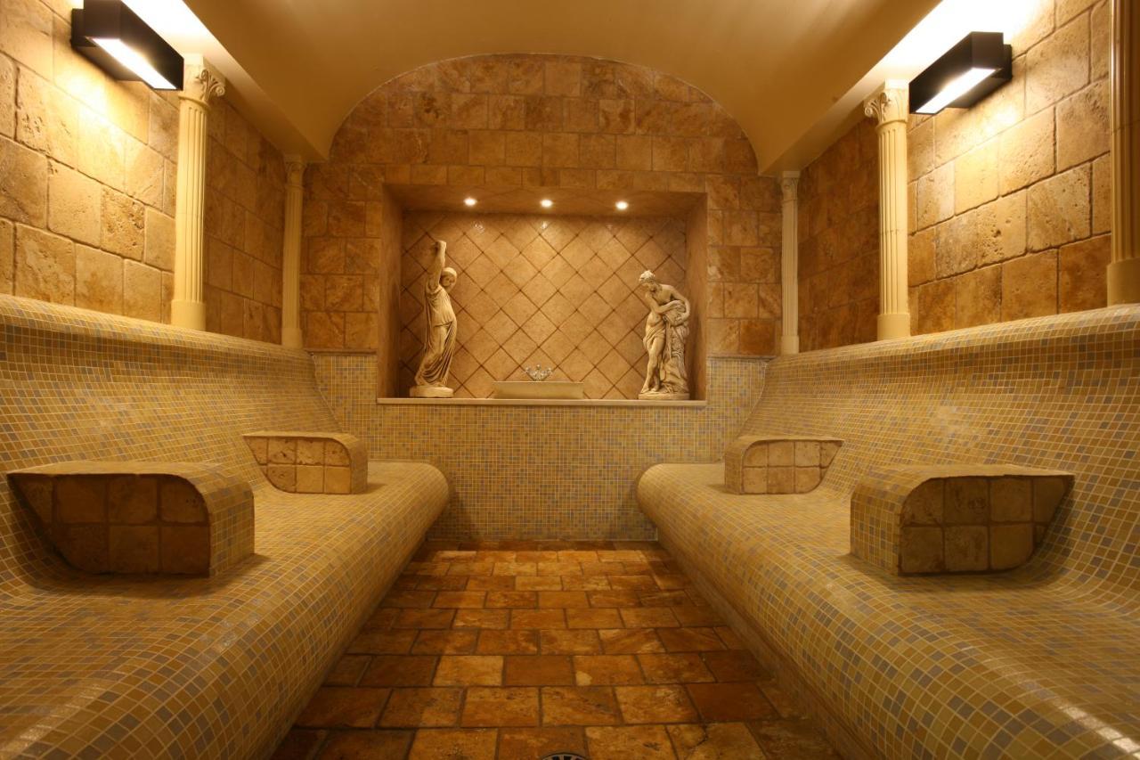 Resorts In Castillo De Sabinillas Andalucía