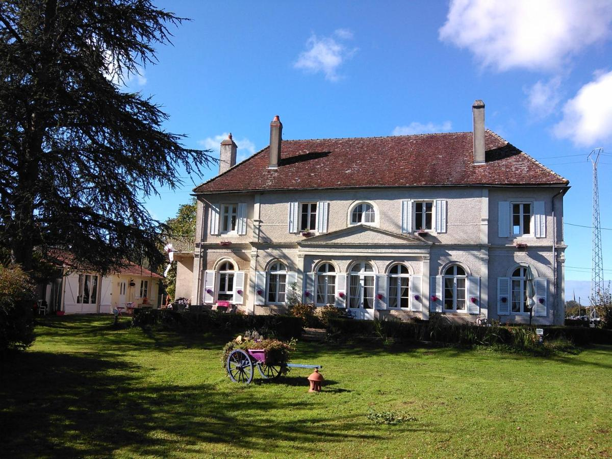 Guest Houses In Vielverge Burgundy