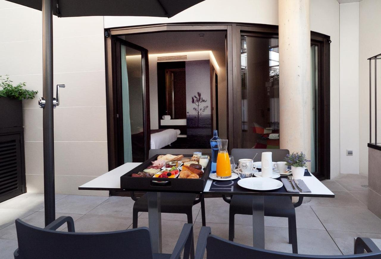 Hotels In Canyamás Catalonia