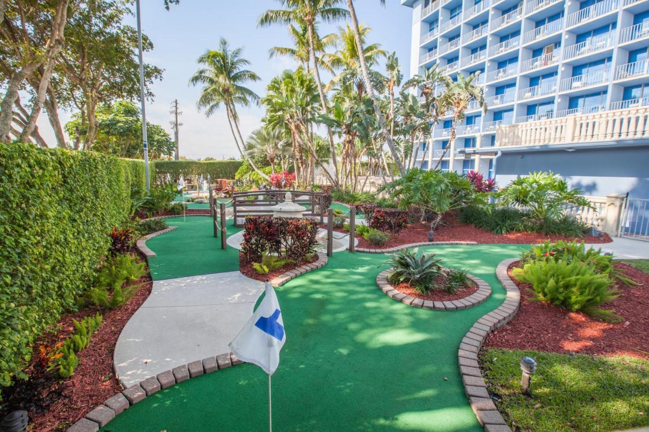 Stadium Hotel, Miami Gardens, FL - Booking.com