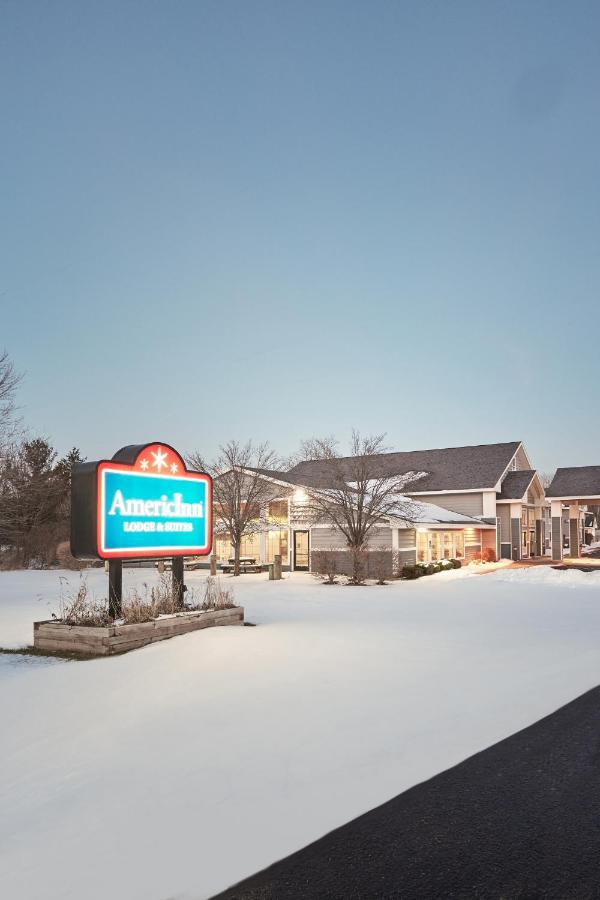 Hotels In Lacota Michigan