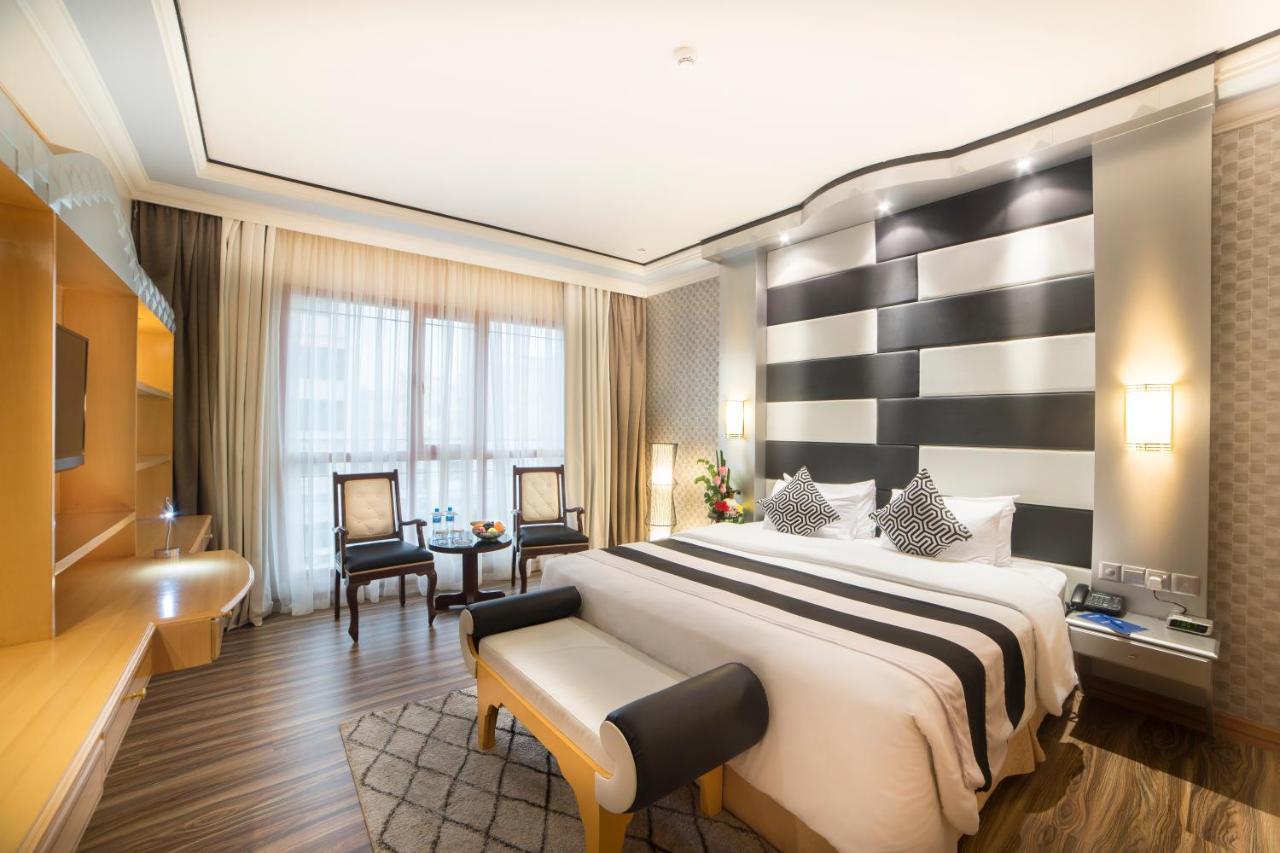 k swiss shoes bahrain hotels apartments in dubai