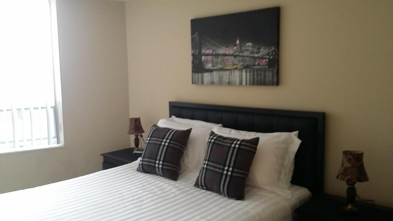 apartment executive furnished properties square one mississauga