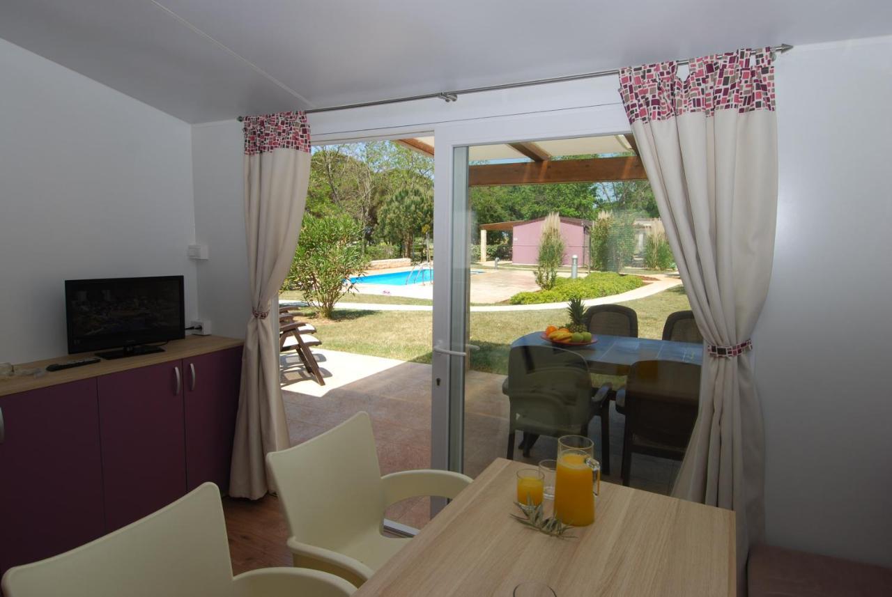 Premium Mobile Homes Camping Park (Kroatien Karigador) - Booking.com