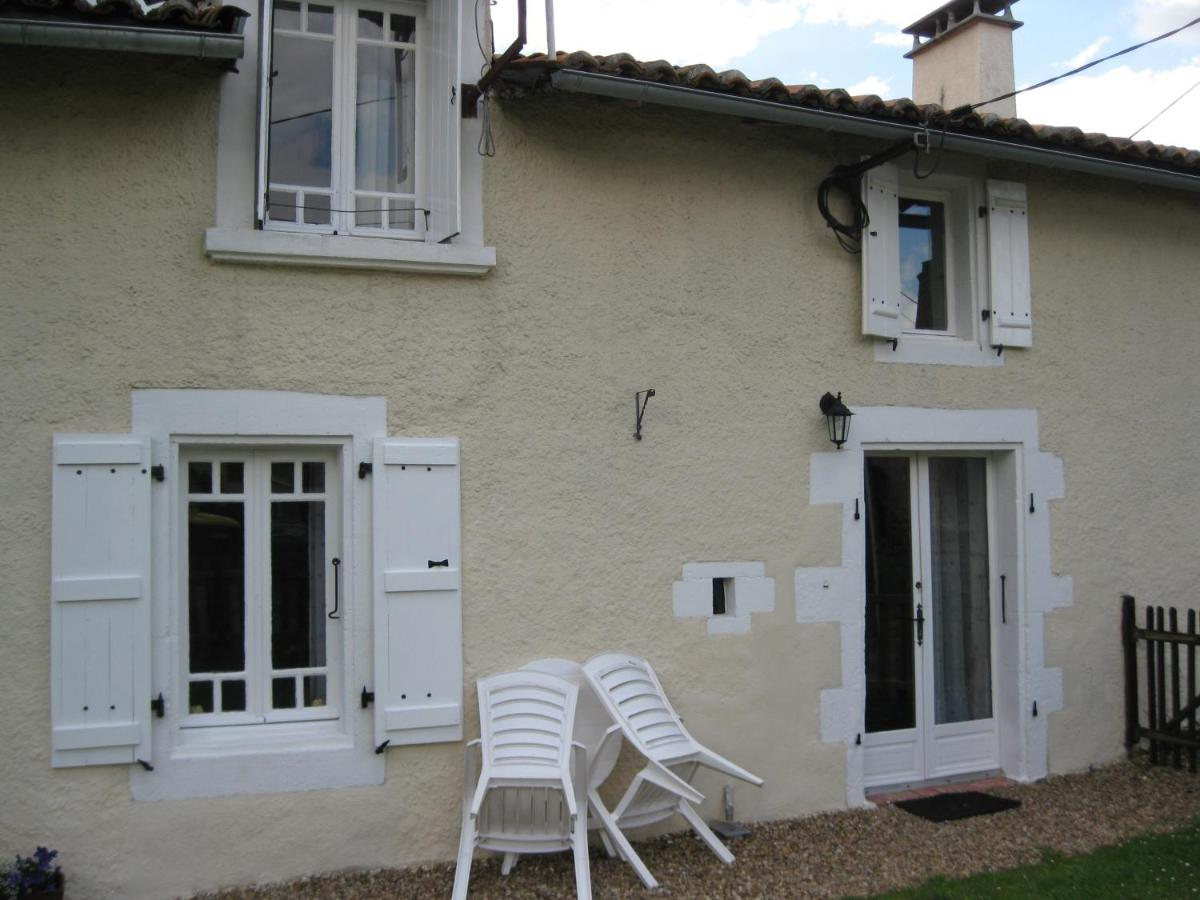 Guest Houses In Neuville Limousin