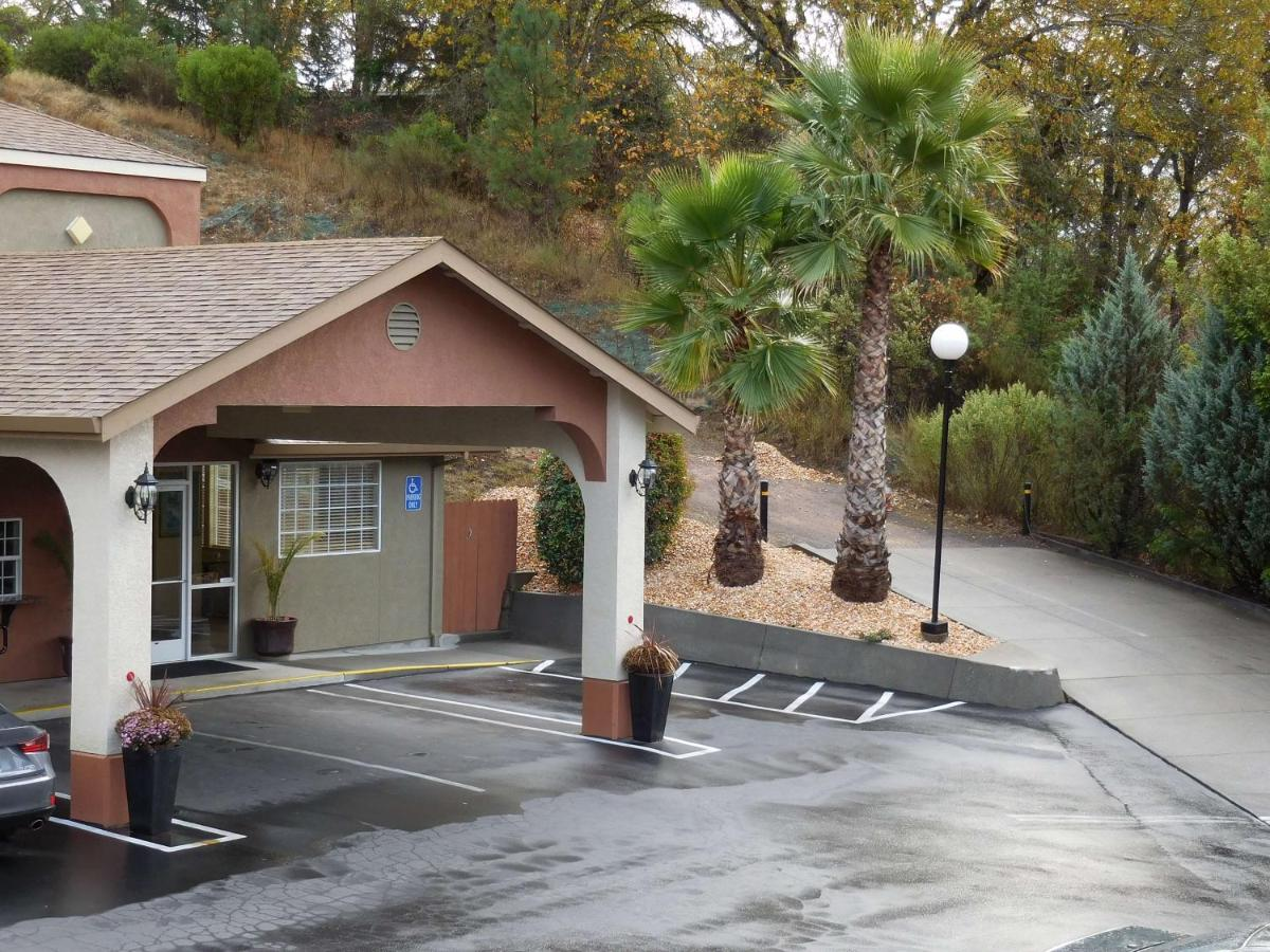 Hotels In Willits California