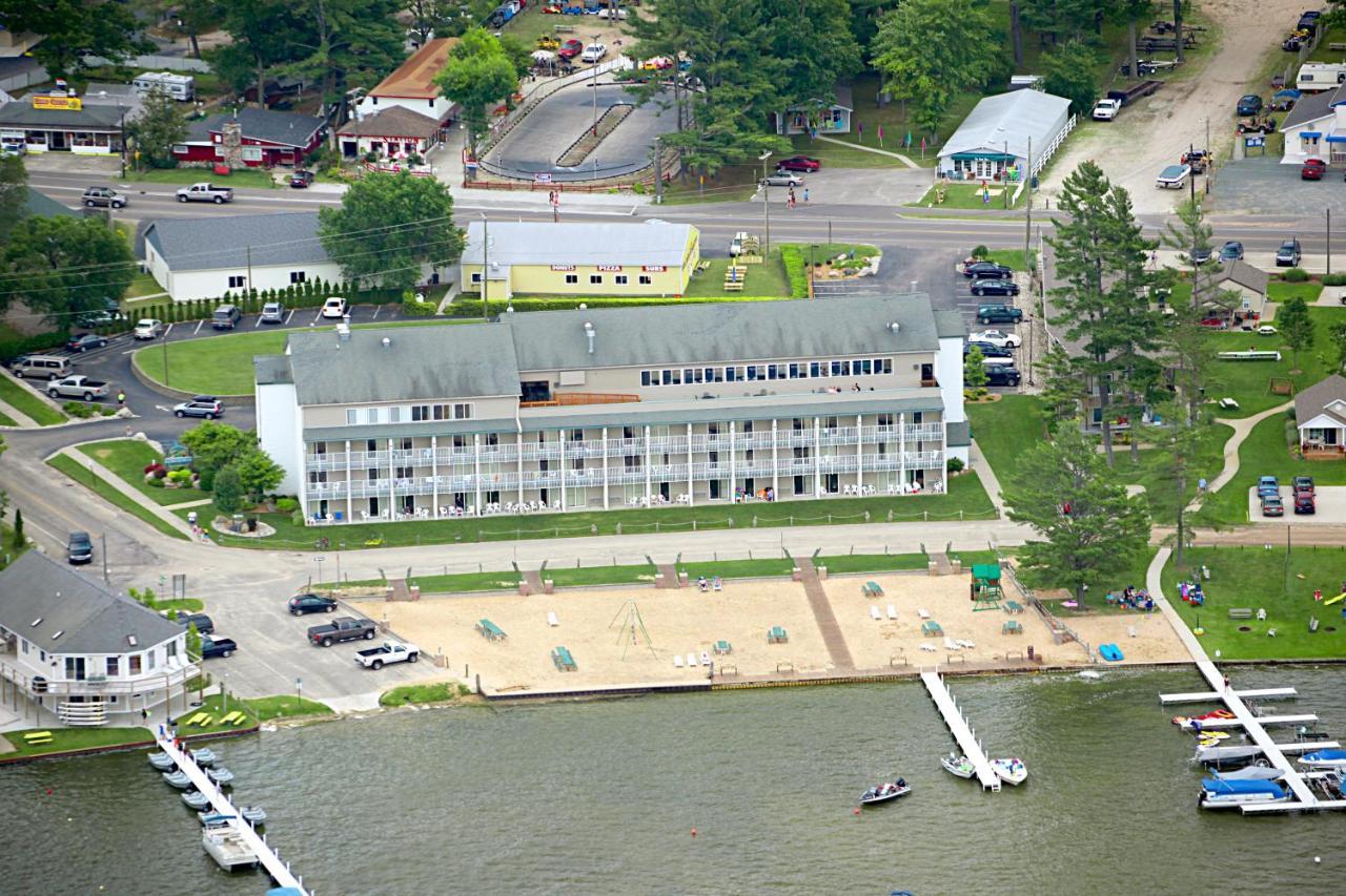 Hotels In Pentwater Michigan