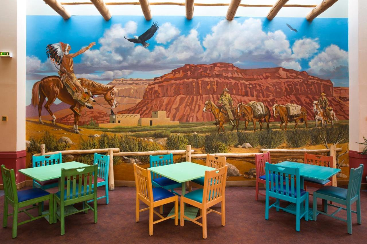 Camere Santa Fe Disneyland : Disney s hotel santa fe coupvray u prezzi aggiornati per il