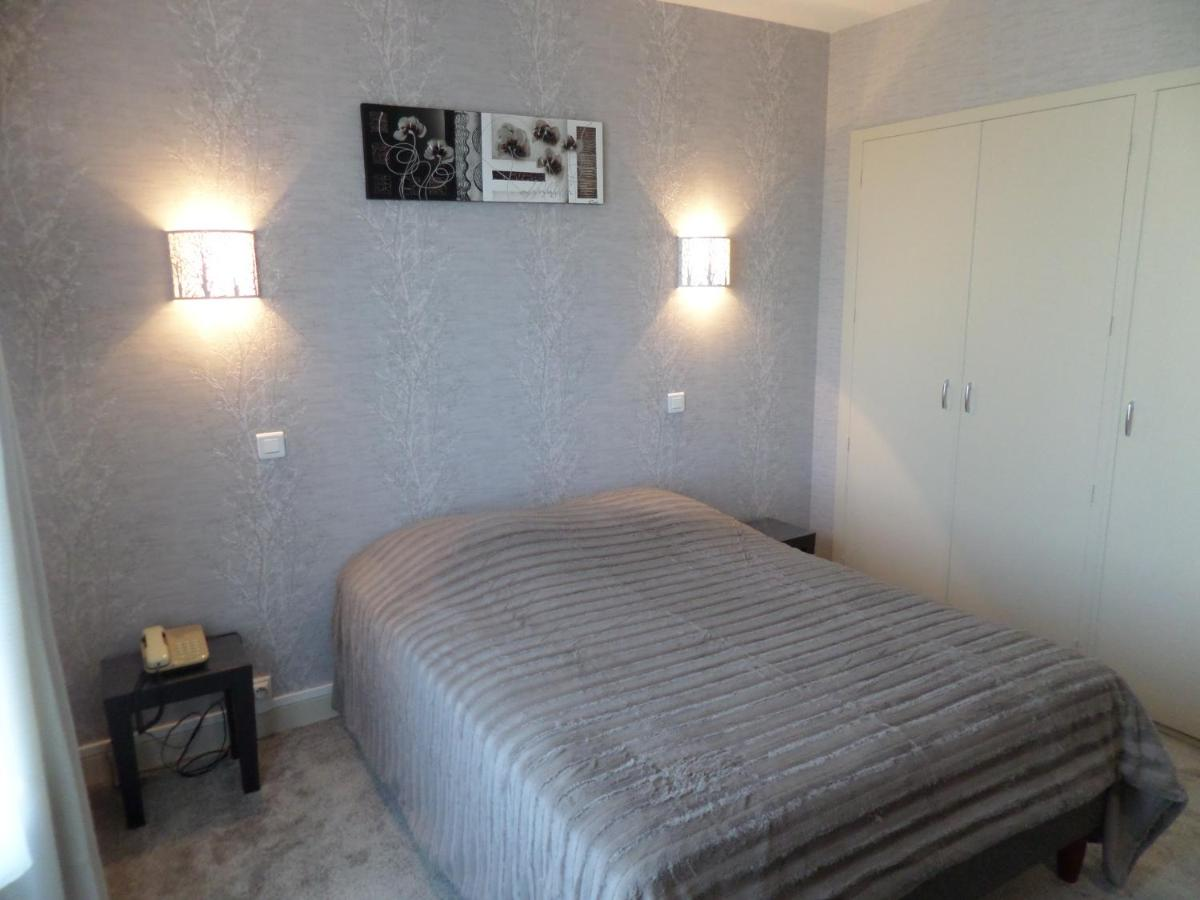 Hotels In Villemontange Auvergne