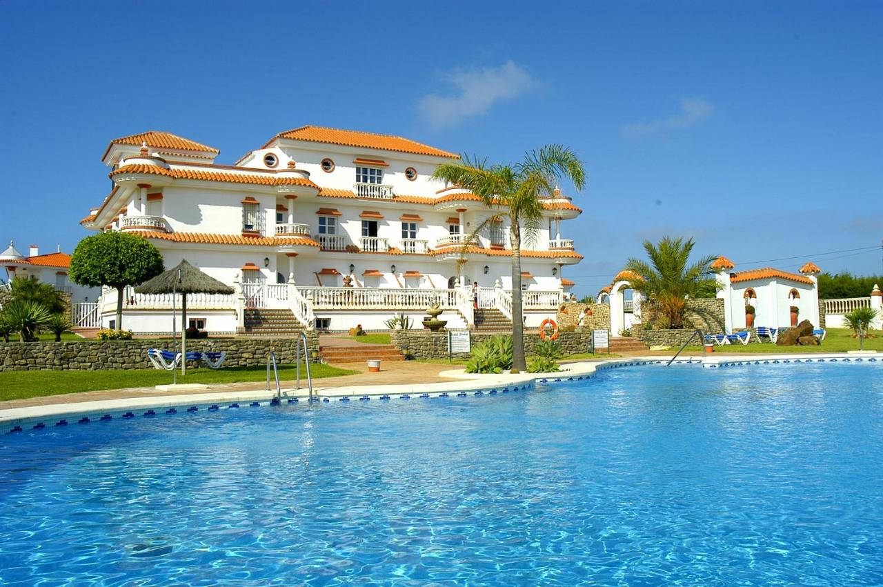 Hotels In Roche Andalucía