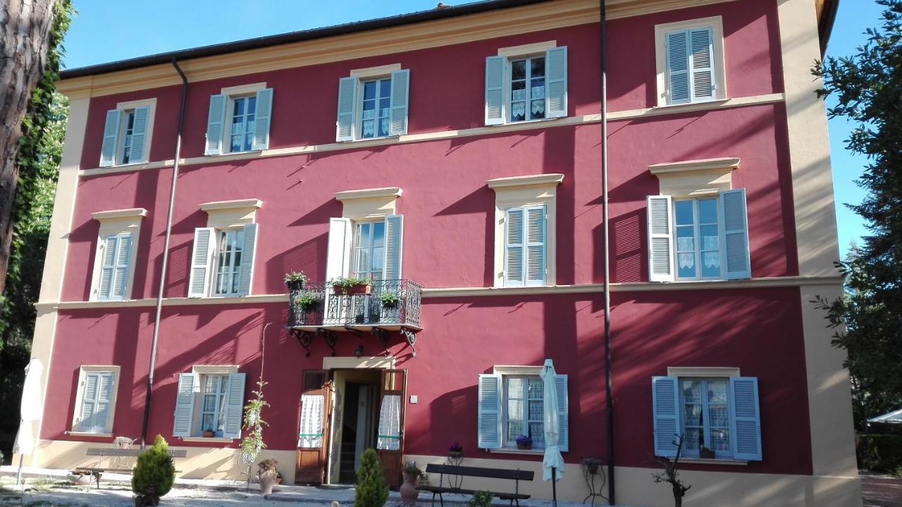 Hostels In Apoleggia Lazio