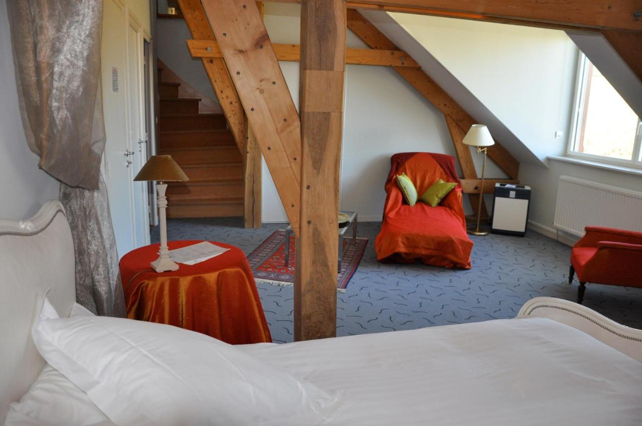 Hotels In Révillon Picardy