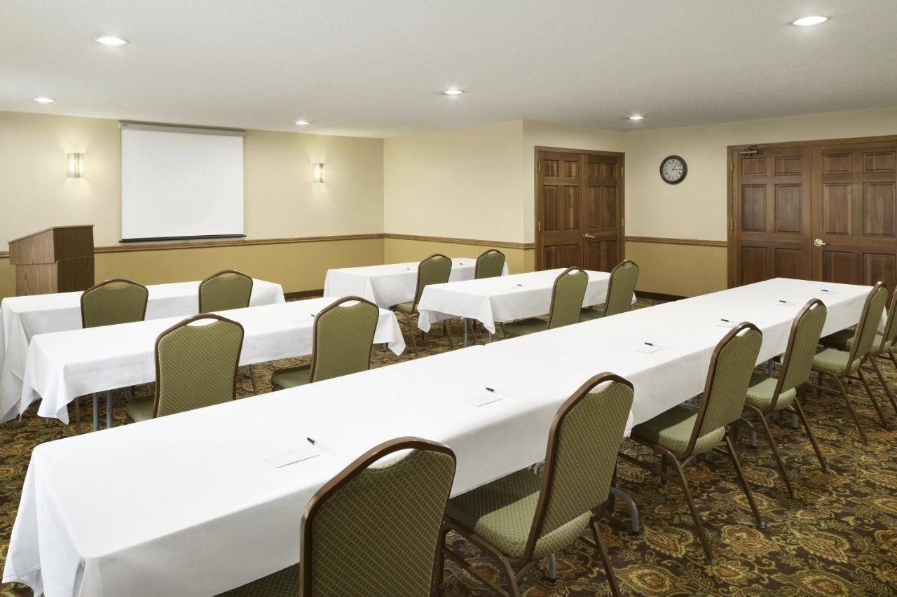 Country Inn & Suites by Carlson - G, Grinnell, IA - Booking.com