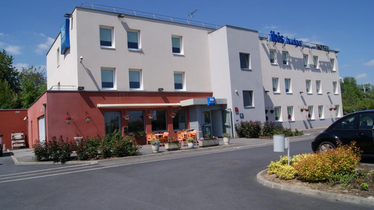 Hotels In Villequier-aumont Picardy