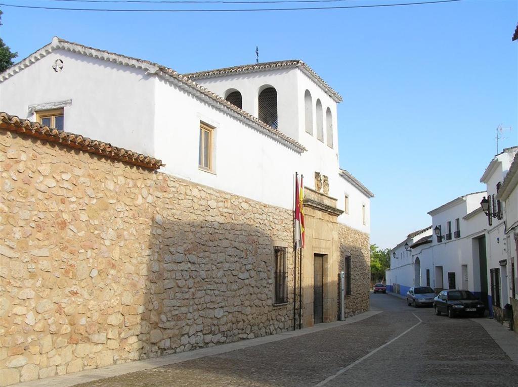 Guest Houses In Miguel Esteban Castilla-la Mancha