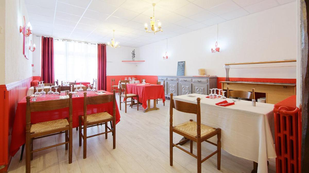 Hotels In Razengues Midi-pyrénées