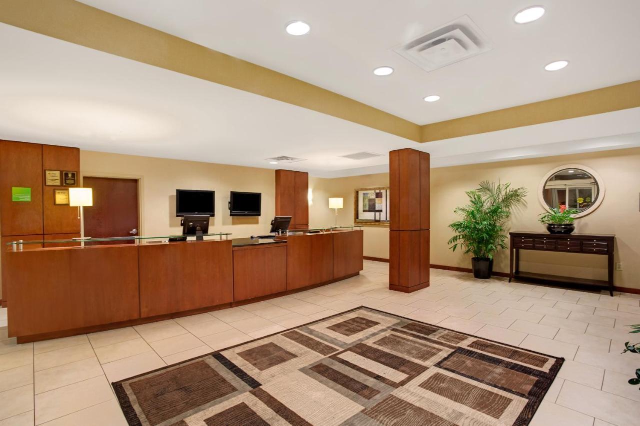 Hotel Wyndham Garden Duluth, GA - Booking.com