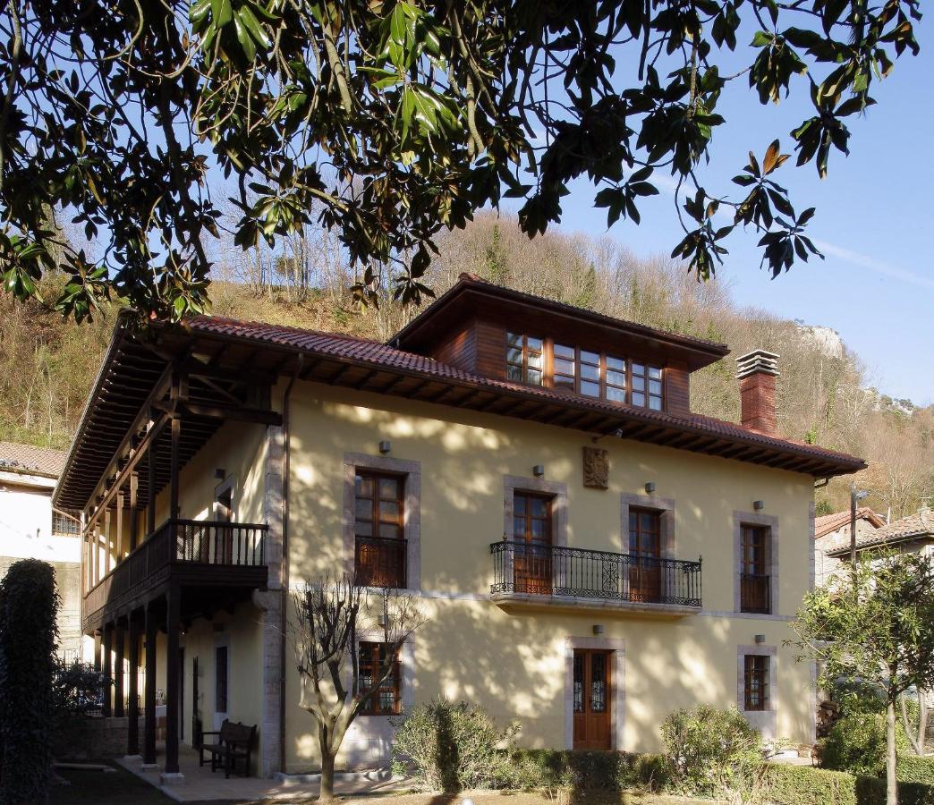 Hotels In La Plaza Asturias