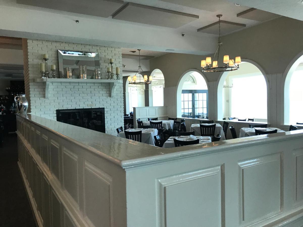 The Three Seasons Resort, Dennis Port, MA - Booking.com