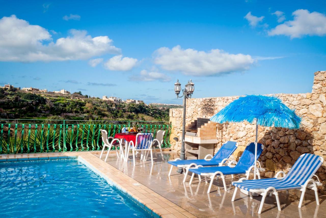 Hibiscus villa victoria malta deals