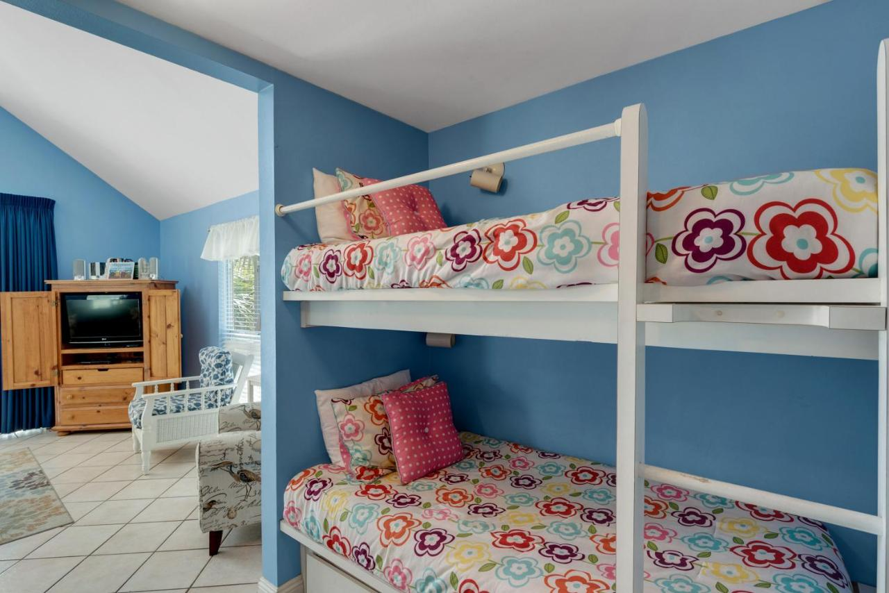 apartment image this fl property us booking destin gallery summerspell of nantucket rainbow cottages hotel com