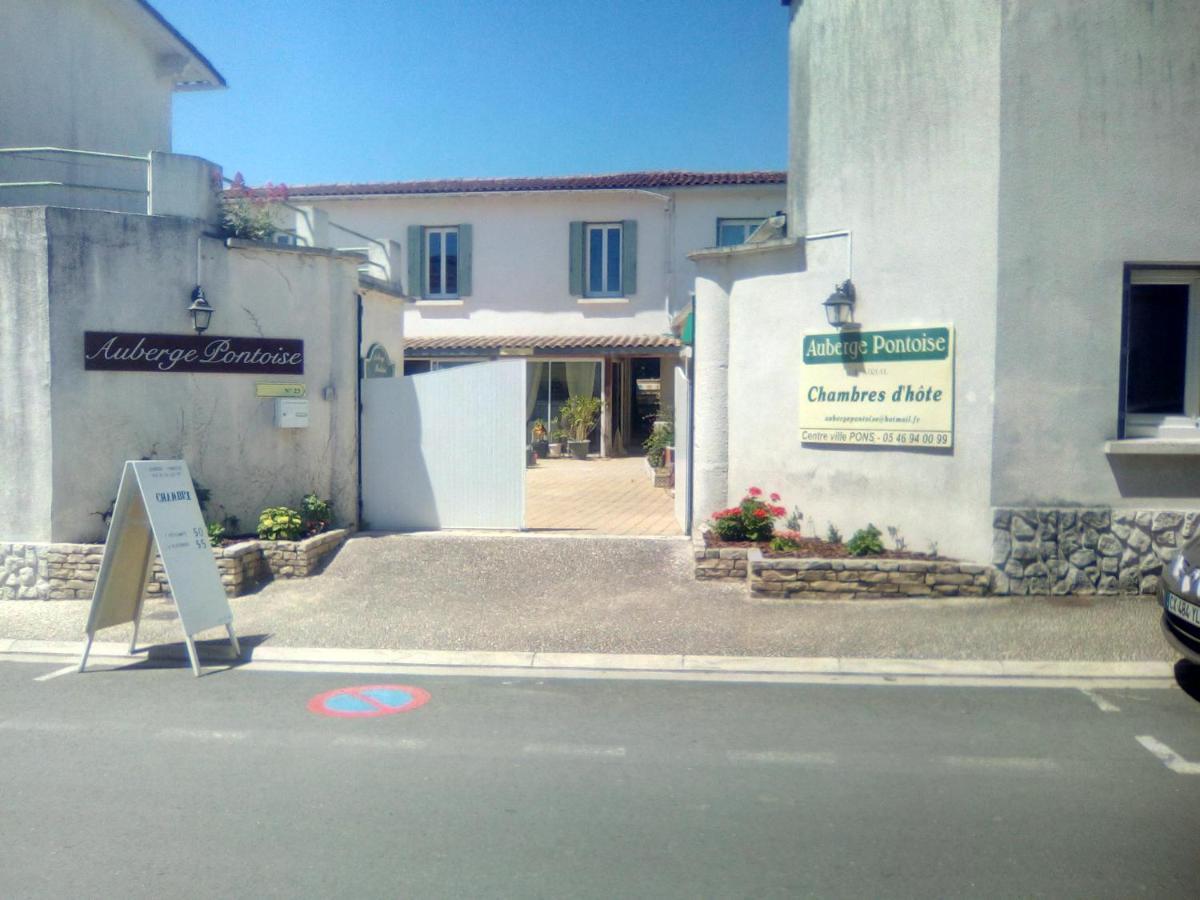 Guest Houses In Réaux Poitou-charentes