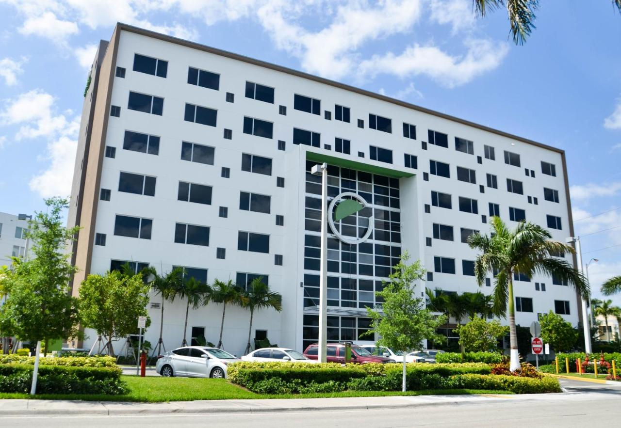 Hotel Element Miami Doral, FL - Booking.com