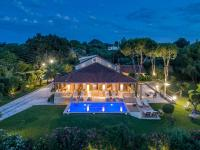 Ladikos Dream Villa