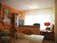 Duplex in the center of Malgrat. WiFi. 5 minutes from the beach.