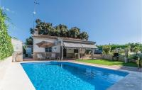 Beautiful home in Posadas w/ Outdoor swimming pool, Outdoor swimming pool and 3 Bedrooms