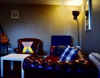 Modern 2 Bedroom Flat Above Family Run Pub