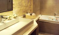 Exensian Villas & Suites