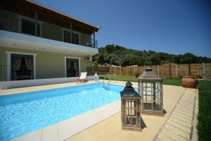Πισίνα στο ή κοντά στο Aselinos Suites