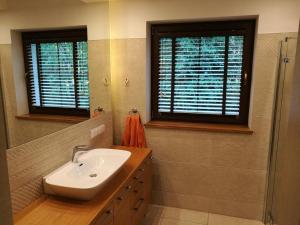 A bathroom at Dom u Marzycieli na Kaszubach