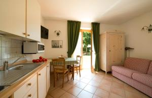 A kitchen or kitchenette at Residence Rio Piccolo