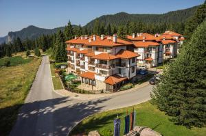 Mountain Lake Hotel