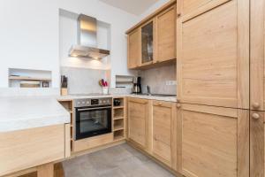A kitchen or kitchenette at Ferienappartment Rosenegg