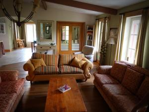 A seating area at Maison le Bip en France