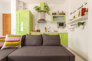 A seating area at Apartamento Baobab Triana