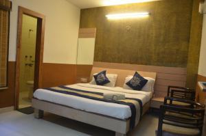Hotels Campus School, CCS HAU