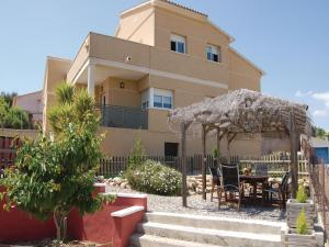 Four-Bedroom Holiday home Segur de Calafell with a Fireplace 03