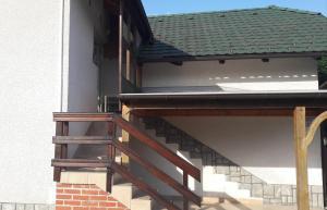 Ein Balkon oder eine Terrasse in der Unterkunft Apartma Obrh