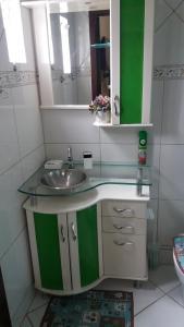 A bathroom at Apart Luis