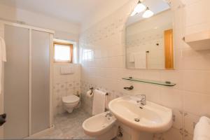 A bathroom at Residence Rio Piccolo