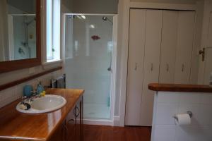 A bathroom at 6 Gunson Street
