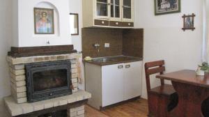 Кухня или кухненски бокс в Вилно селище Дядовите къщи